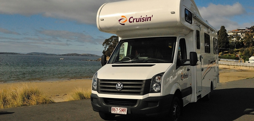 Cruisin Discovery 6 berth